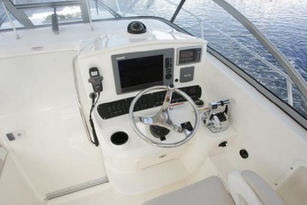 Boston Whaler 305 Conquest 2012 Boston Whaler Boats