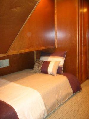 2012 bravada houseboat  12 2012 Bravada Houseboat