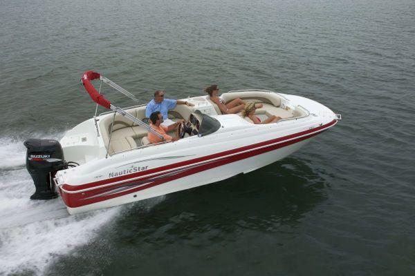 NAUTIC STAR 210SC O/B w/Yamaha 4 stroke 2012 All Boats