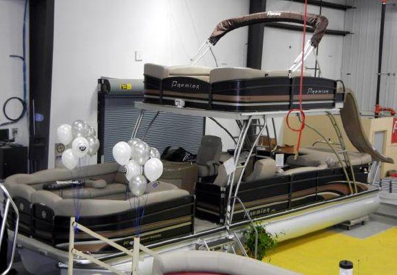 Premier 310 Boundary Waters Sky Dek 2012 All Boats