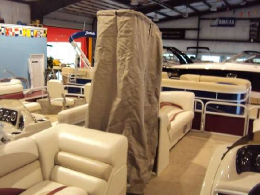 Sweetwater 220 WB 2012 Sweetwater Pontoon Boat