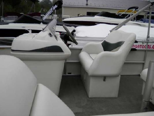 Sweetwater 24 SPORT CRUISER 2012 Sweetwater Pontoon Boat