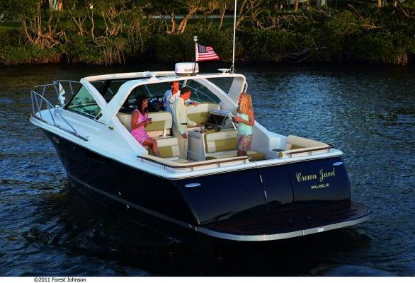 Tiara 3100 Coronet Harbor Edition 2012 Egg Harbor Boats for Sale
