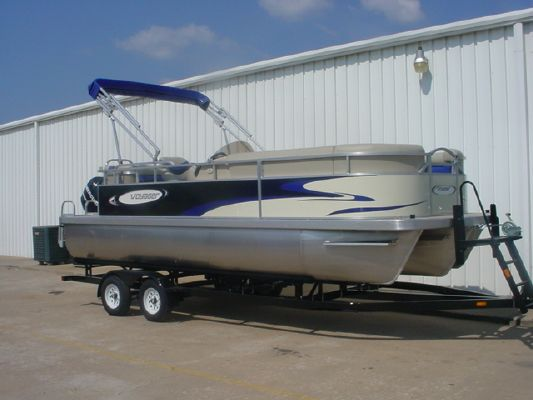 Voyager TRIPLE CROWN 22 2012 Crownline Boats for Sale