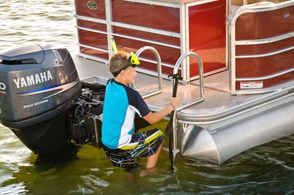 Xcursion x23 Rear Lounger 2012 All Boats