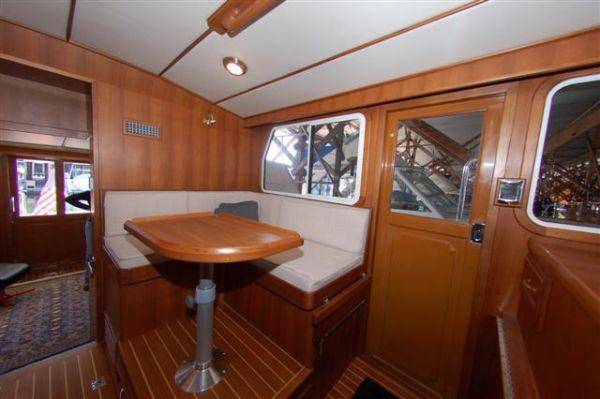 2013 mariner yachts international seville pilothouse  8 2013 Mariner Yachts International Seville Pilothouse